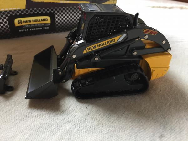 Mini chargeuse new holland