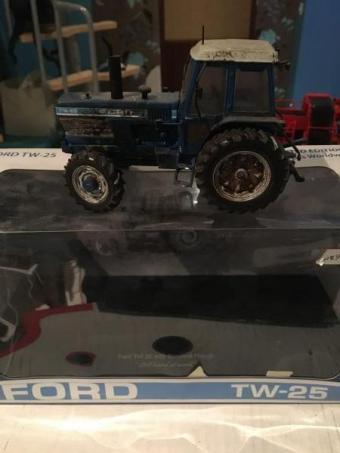 Ford tw25 sale 1500 pieces