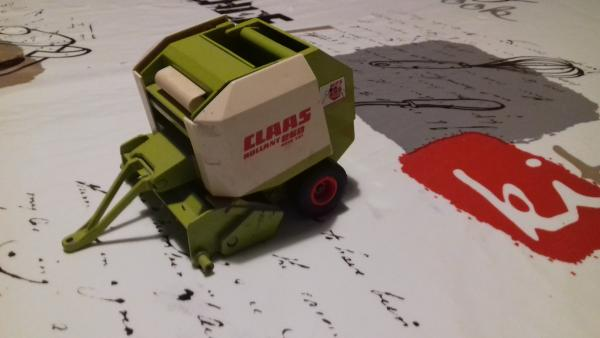 Presse CLAAS rollant 250