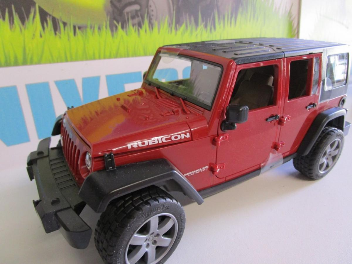jeep wrangler unlimited rubicon avec remorque et mini chargeur cat 02925 bruder. Black Bedroom Furniture Sets. Home Design Ideas