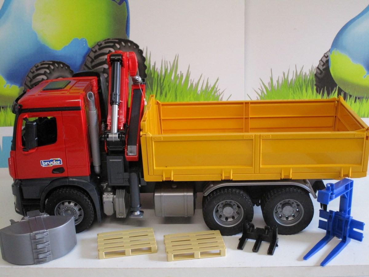 Camion Benne Mercedes Arocs Avec Grue 03651 Bruder 59