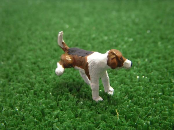 Chien Foxhound en position pipi (WMA9, Hollylovestoys) 10