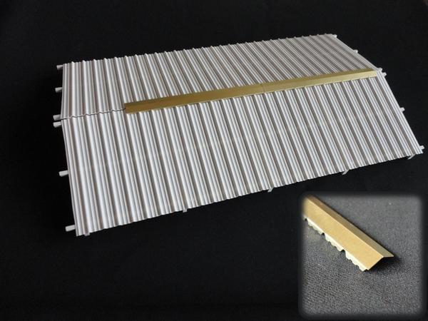 Section de faitage de 125 mm de longueur compatible avec for Faitage bac acier